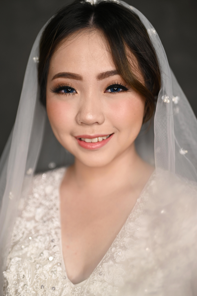 Air Brush Wedding Make Up & Hair Do for Jess by Thousand Pictures | Photo & Video - 007