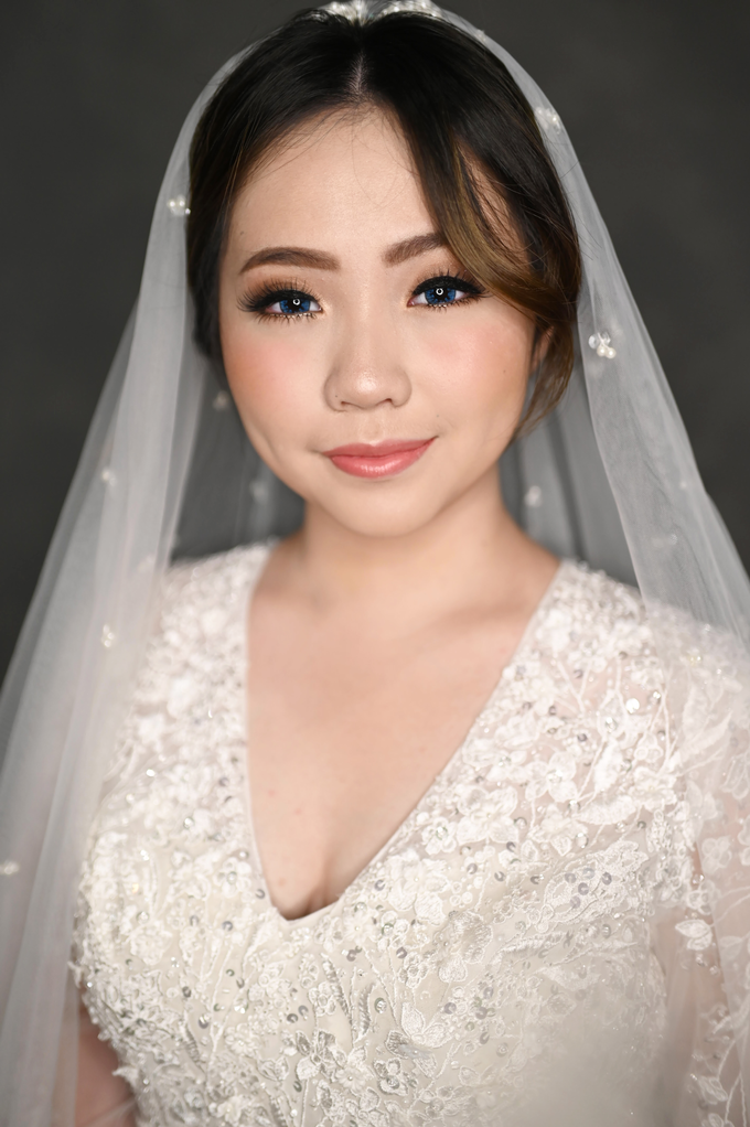 Air Brush Wedding Make Up & Hair Do for Jess by Thousand Pictures | Photo & Video - 009