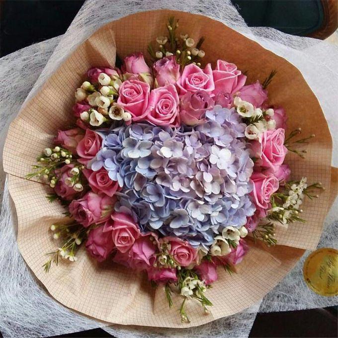 Floral Fantasy by Bythian Florist - 001
