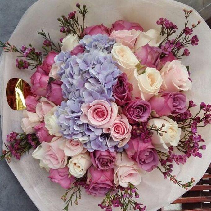 Floral Fantasy by Bythian Florist - 006