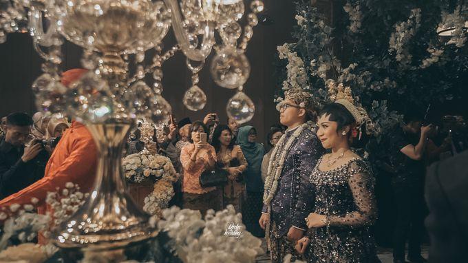 The Ballroom XXI | Vania & Erlangga by diskodiwedding - 017