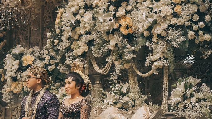 The Ballroom XXI | Vania & Erlangga by diskodiwedding - 019