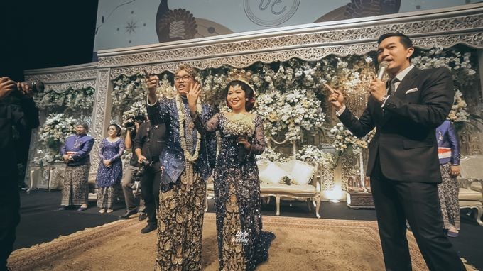The Ballroom XXI | Vania & Erlangga by diskodiwedding - 021