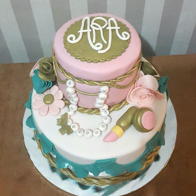 Wedding Cakes and Cupcakes by Rolling Pin Sugar Art - 003
