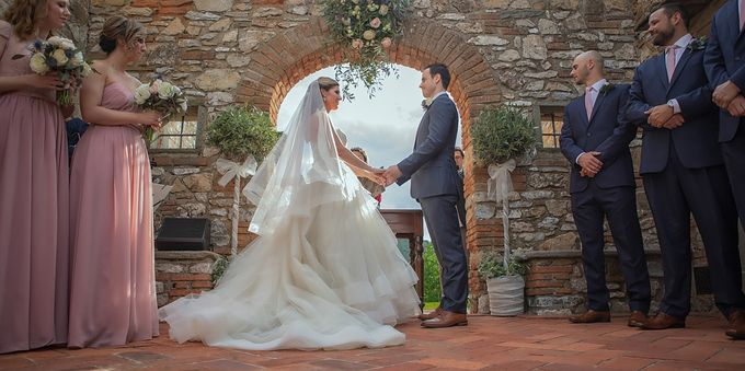 An intimate wedding in Tuscany by C&G Wedding and Event Designer - 006
