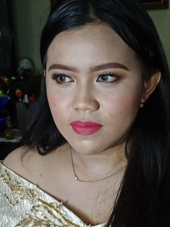 """The Bridesmaid Of 300121"" is Ms. Desyita by Hana Gloria MUA - 005"