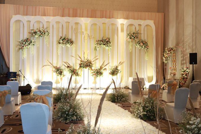 Lounge Jazz wedding band at Double Tree Jakarta by Double V Entertainment by Double V Entertainment - 003