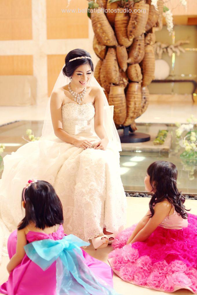 The Wedding of Ivan & Indah by Tati Photo - 010