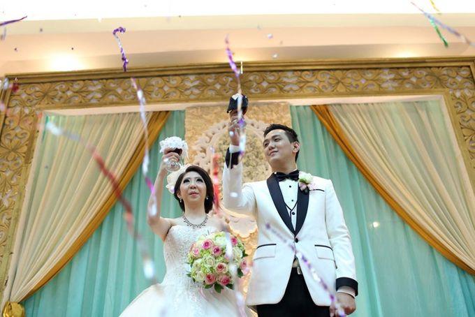 THE WEDDING OF DERWIN & JURIE / 27.09.14 / GEDUNG KOMPAS GRAMEDIA by AS2 Wedding Organizer - 006