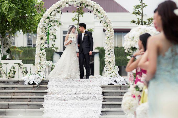 Outdoor Wedding at Lake Garden by Cynthia Kusuma - 003
