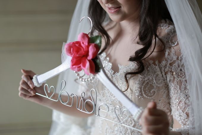 Autumn Theme Wedding Boy & Elisia at Empire 10th Floor  Surabaya by Diorama Tailor - 002
