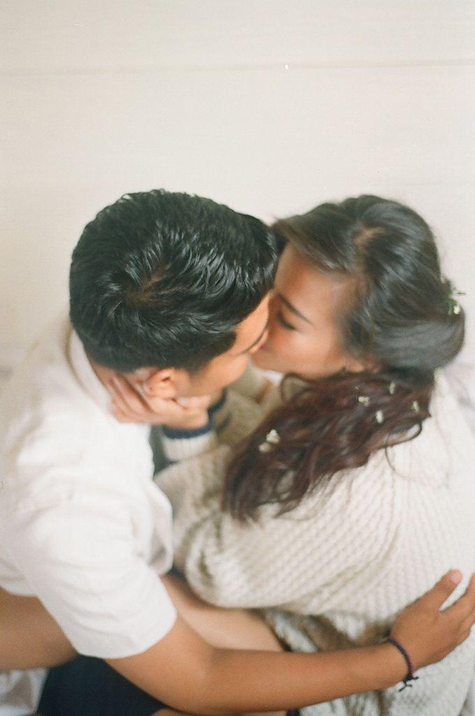 Anna & Dode Pre-Wedding Video & Film Analogue photos by Ray Aloysius Photography - 009