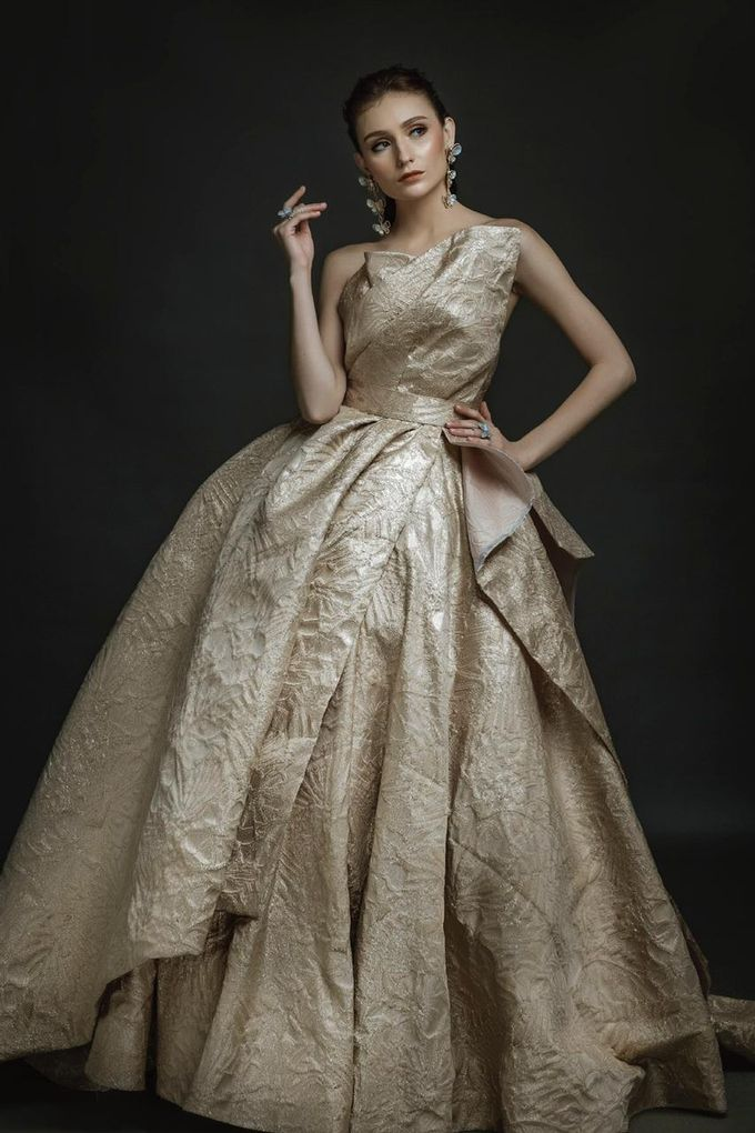 New Collection Gaun & Busana Pengantin by Hengki Kawilarang Couture - 013