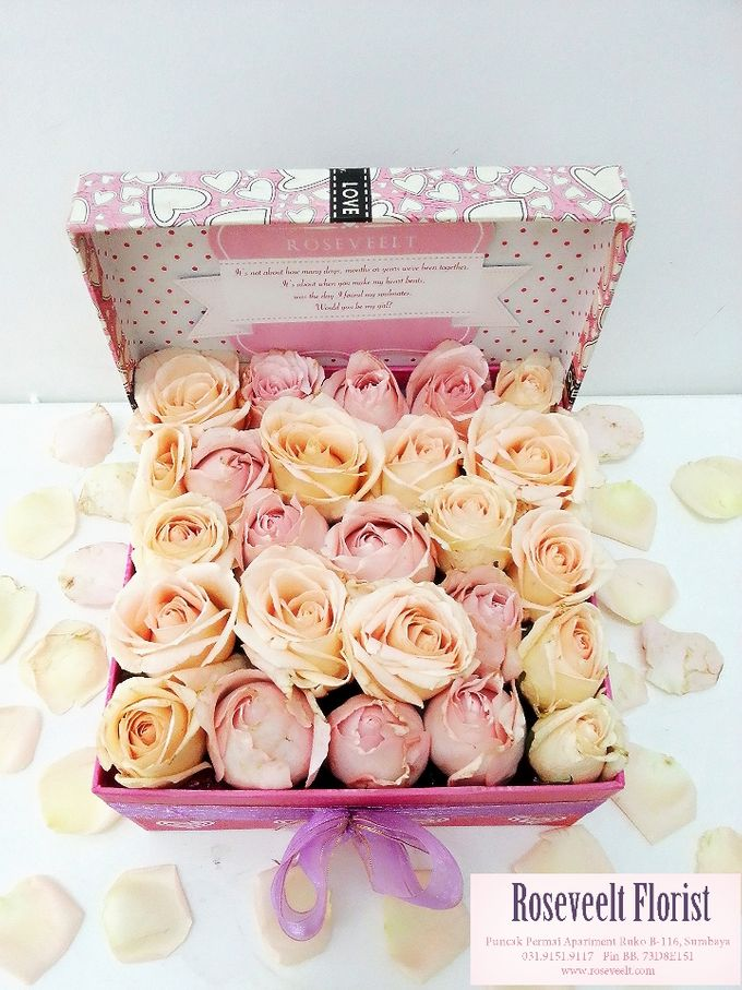 Flower in a Box Arrangement by Roseveelt Florist - 008
