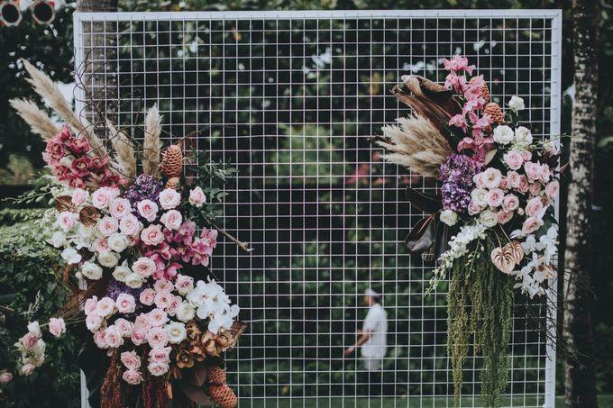 Modern Luxe Buffet Wedding by DIJON BALI CATERING - 019