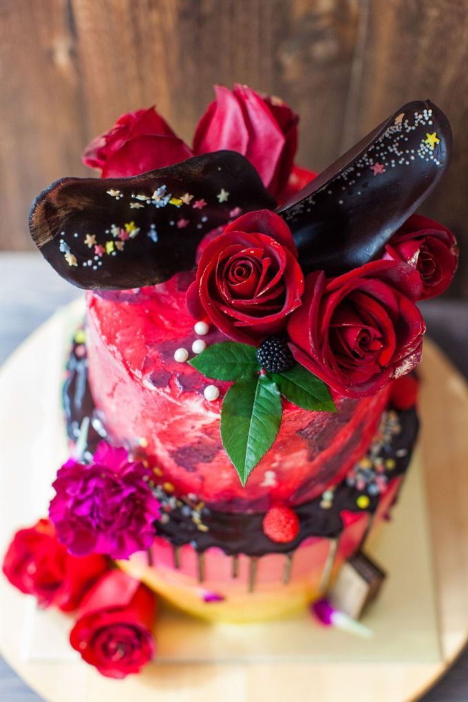 Chocolate Crowns & Florals by Cake & Wildflour - 003