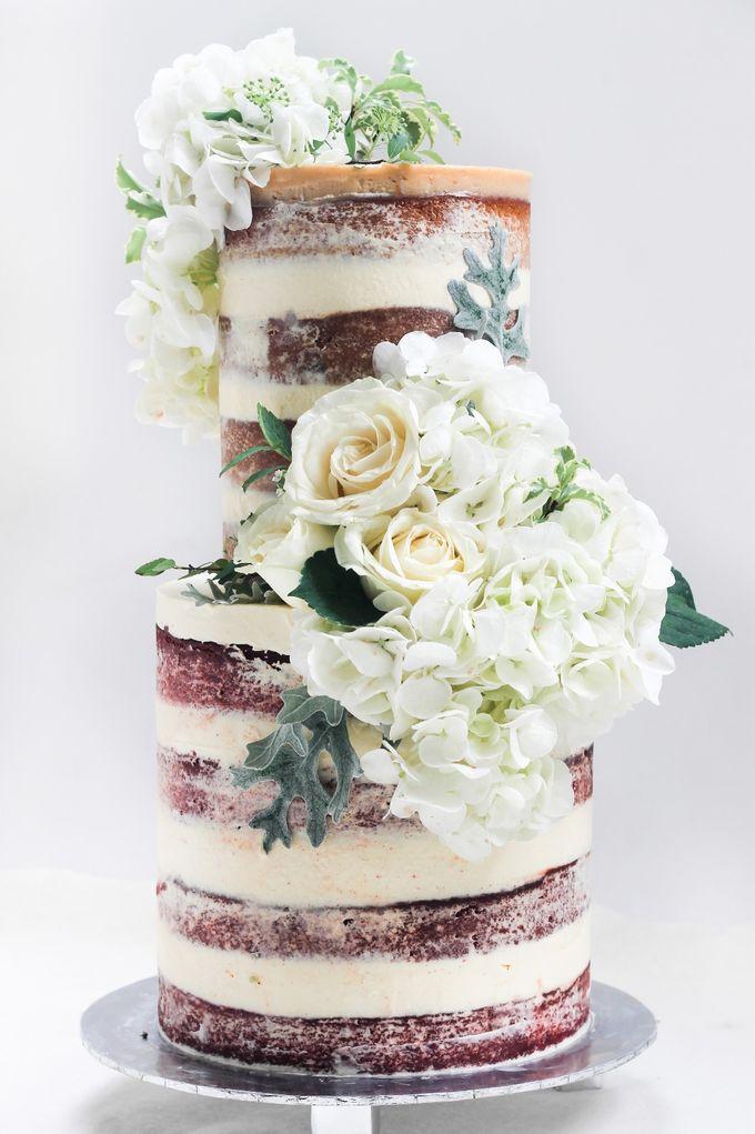 Intimate Wedding Cake by Lareia Cake & Co. - 001