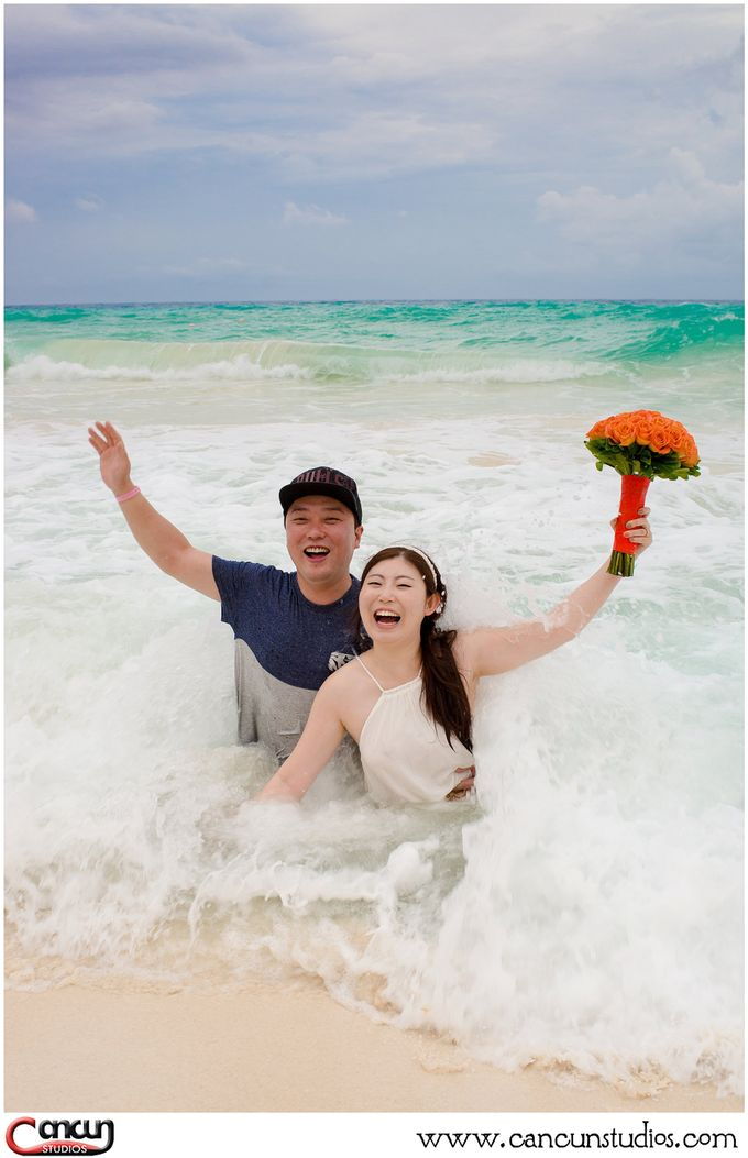 Trash the Dress Beach by Cancun Studios Photography - 005