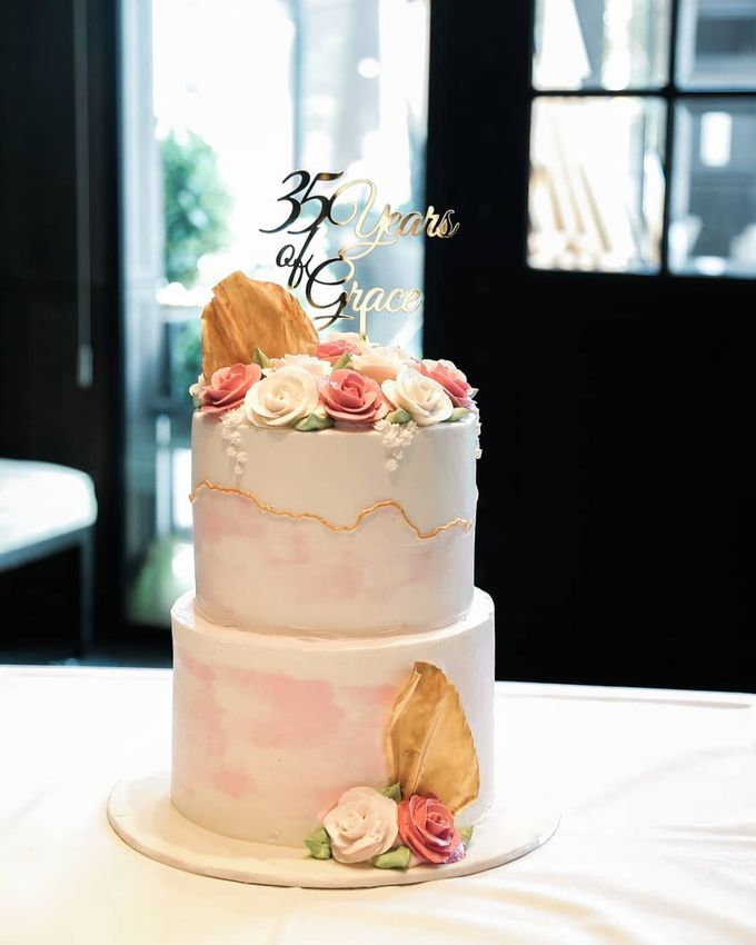 Two Tiers by Gordon Blue Cake - 003