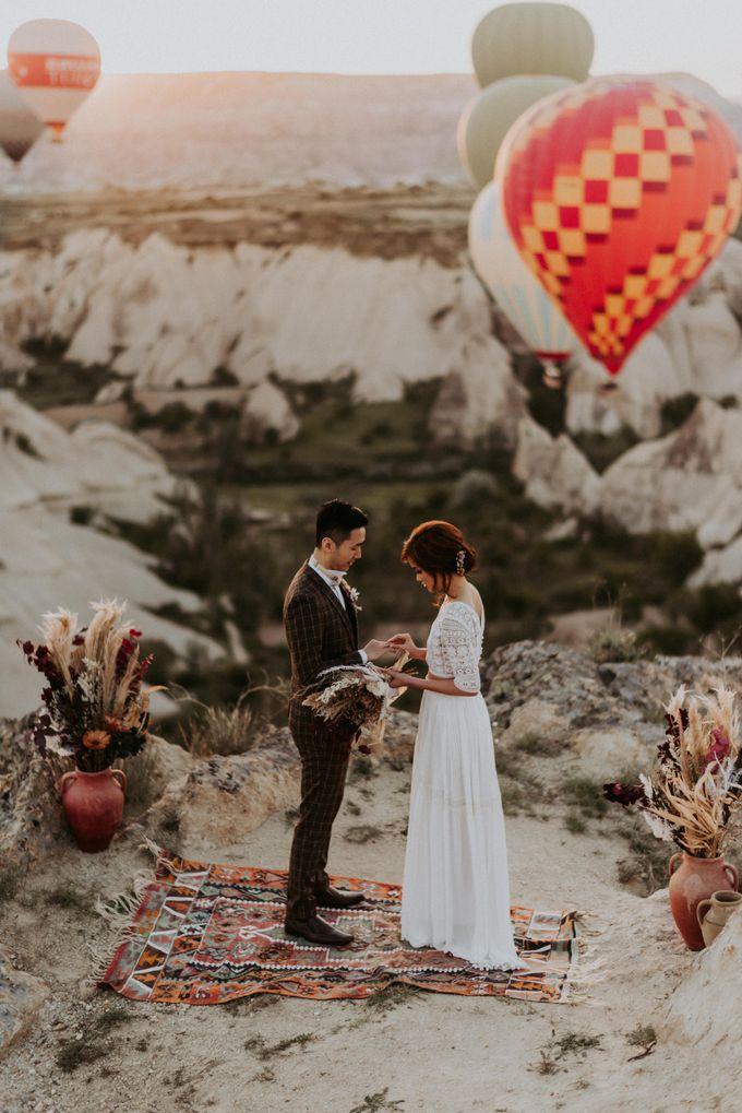 Elopement in Cappadocia by Phan Tien Photography - 011