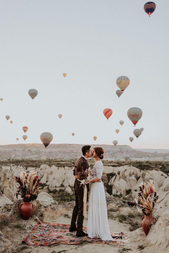 Elopement in Cappadocia by Phan Tien Photography - 015