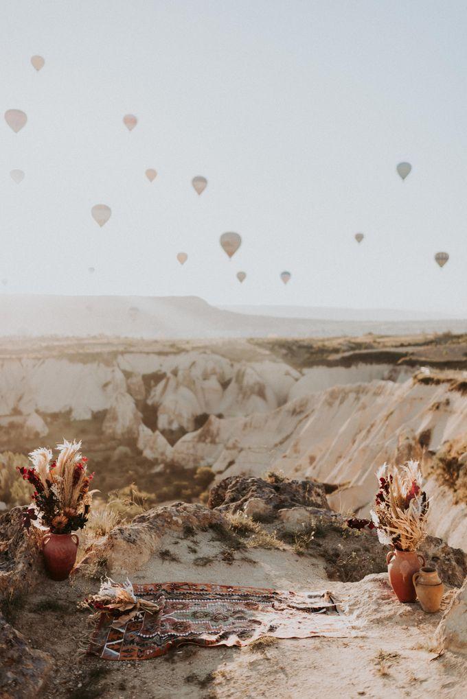 Elopement in Cappadocia by Phan Tien Photography - 017