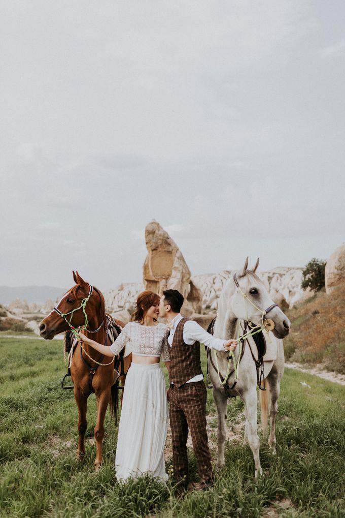 Elopement in Cappadocia by Phan Tien Photography - 020