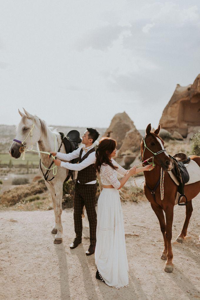 Elopement in Cappadocia by Phan Tien Photography - 022