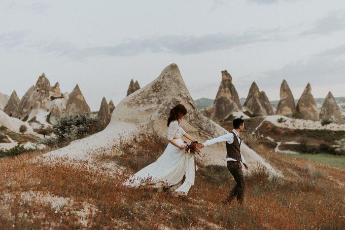 Elopement in Cappadocia by Phan Tien Photography - 025