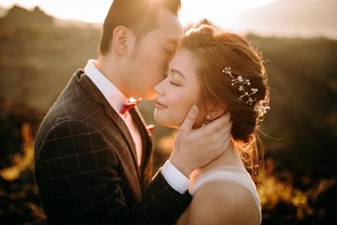 Natural Make Up for couple from Singapore by Carmelia & Team Make Up Artist - 002