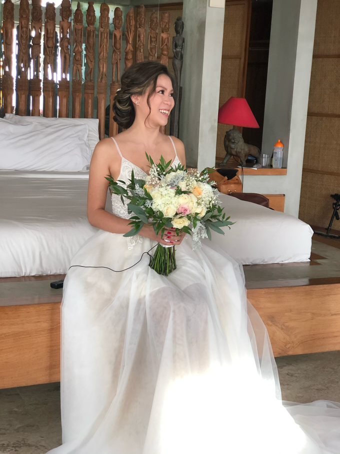 Flawless Bridal Make Up for Wedding at The Beach by Carmelia & Team Make Up Artist - 007