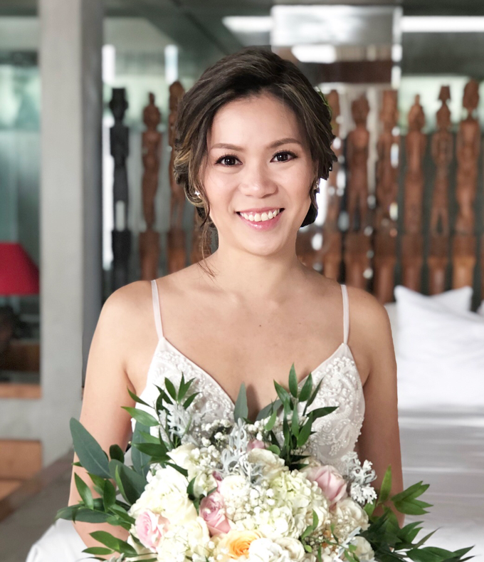 Flawless Bridal Make Up for Wedding at The Beach by Carmelia & Team Make Up Artist - 008