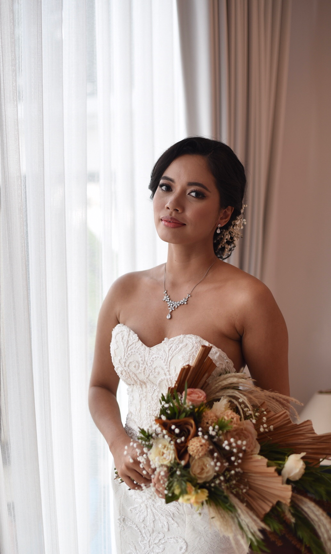 Bride Make Up with New Normal Standard by Carmelia & Team Make Up Artist - 014