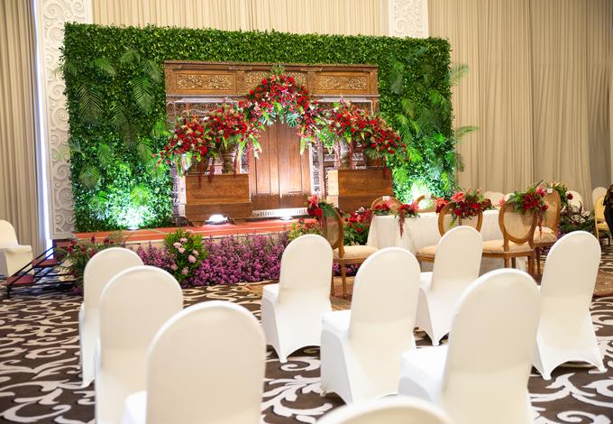 The Wedding of Chanari & Krido by Cassia Decoration - 010