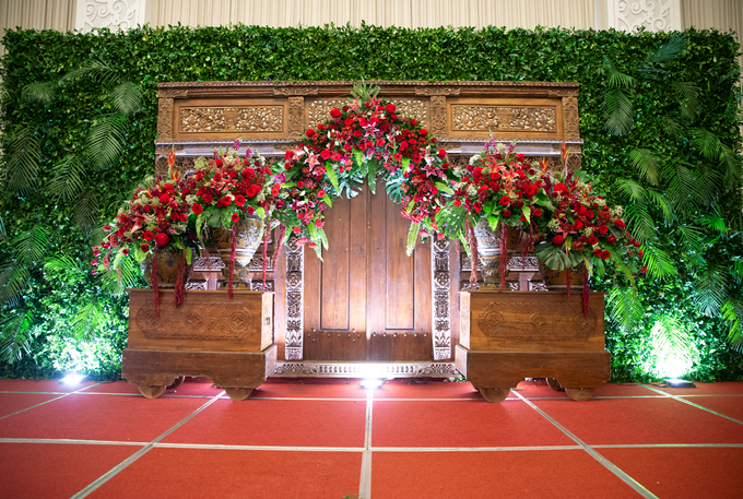 The Wedding of Chanari & Krido by Cassia Decoration - 015