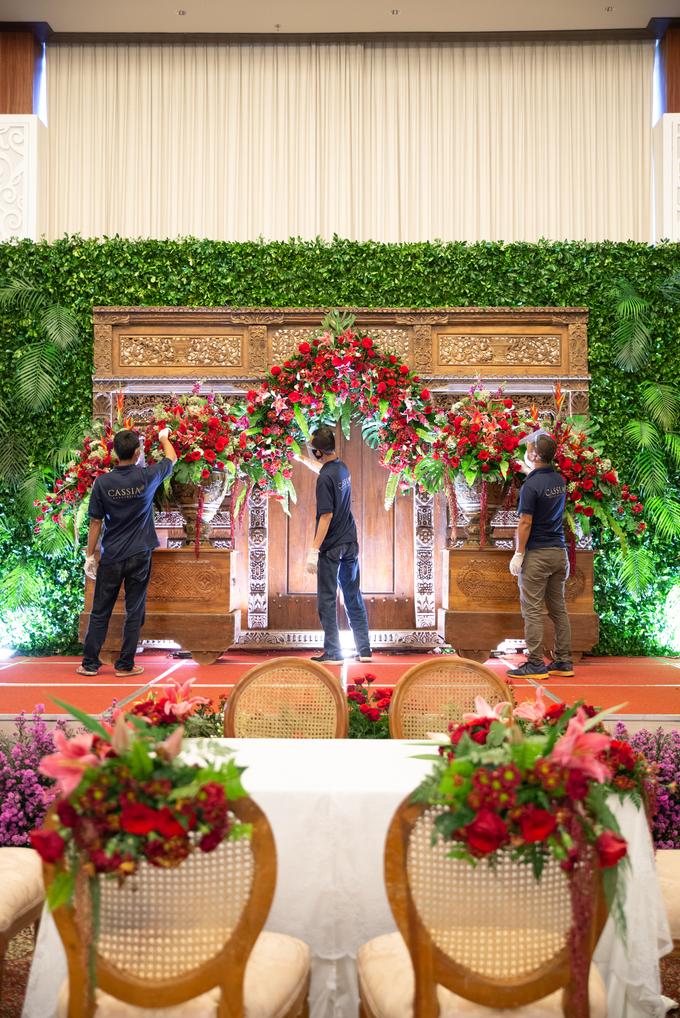 The Wedding of Chanari & Krido by Cassia Decoration - 016