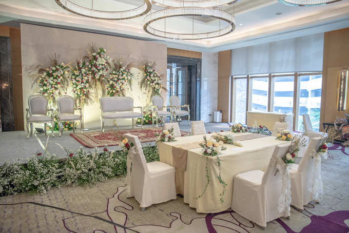 The Wedding of Suci & Luthfi by Cassia Decoration - 010