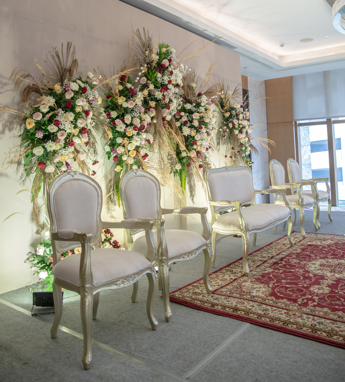 The Wedding of Suci & Luthfi by Cassia Decoration - 012