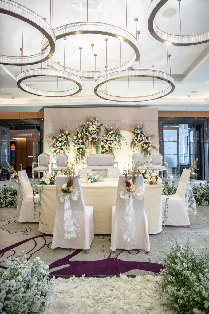 The Wedding of Suci & Luthfi by Cassia Decoration - 014