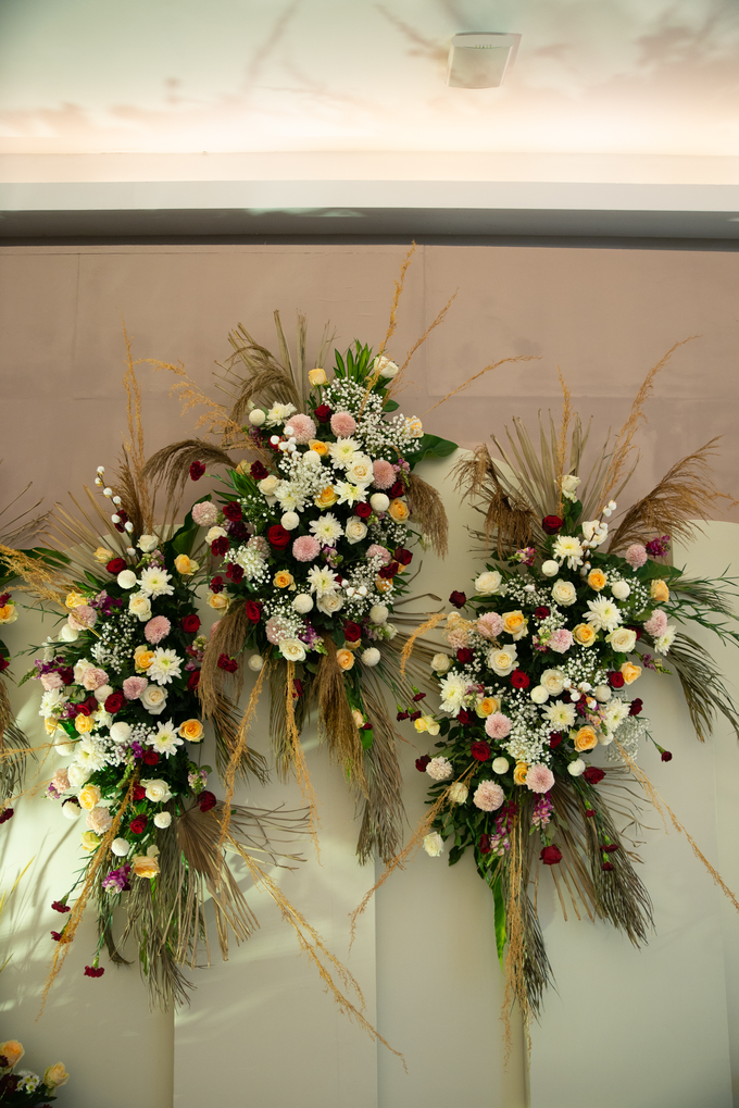 The Wedding of Suci & Luthfi by Cassia Decoration - 015