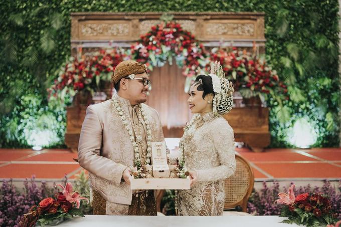 The Wedding of Chanari & Krido by Cassia Decoration - 024