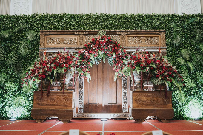 The Wedding of Chanari & Krido by Cassia Decoration - 034