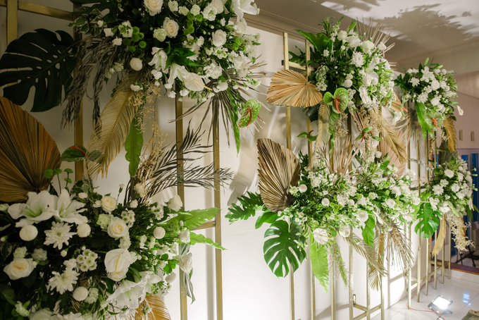 The Wedding of Annisa & Adam by Cassia Decoration - 015