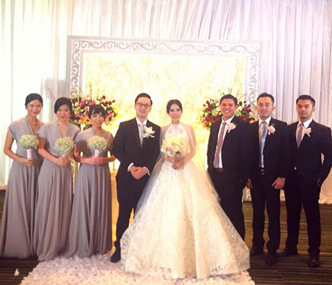 MIKE CATH WEDDING by bridestore indonesia - 006