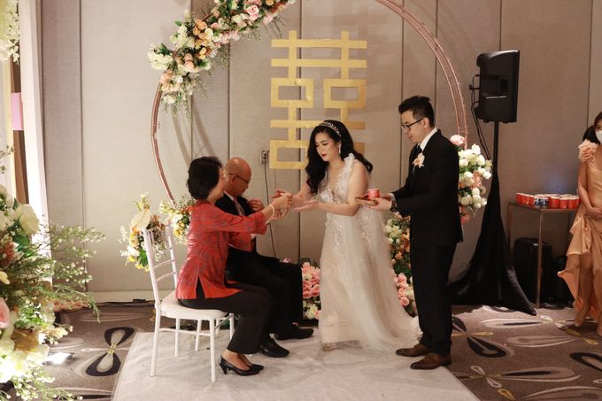Lounge Jazz wedding band at Double Tree Jakarta by Double V Entertainment by Double V Entertainment - 018