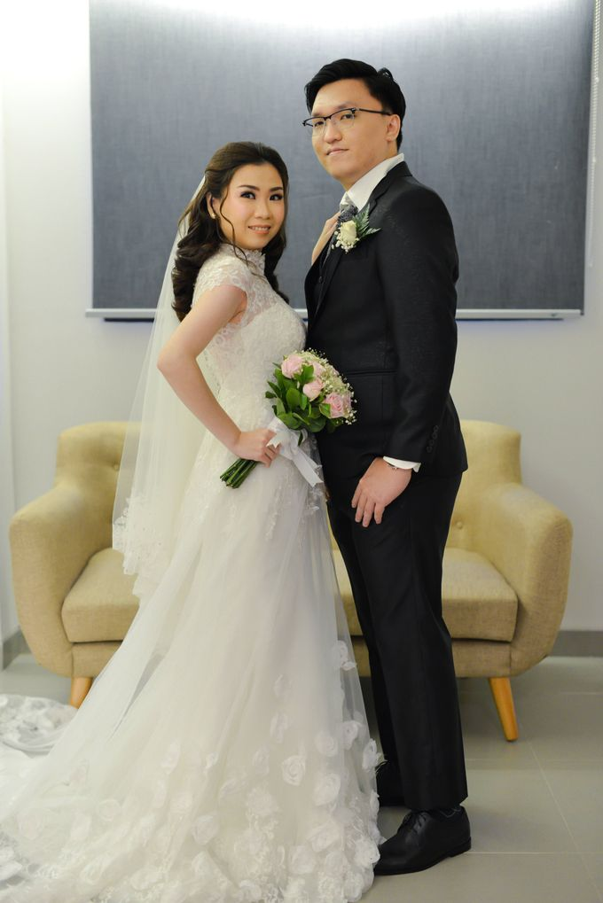 The Wedding of Felik & Shella  by Favor Brides - 017