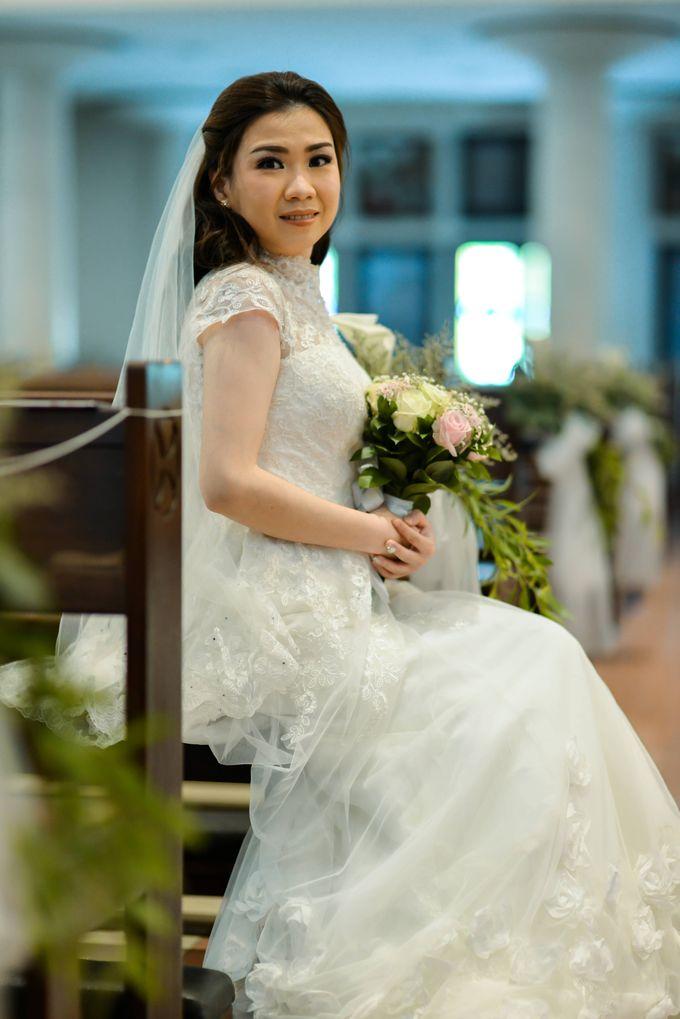The Wedding of Felik & Shella  by Favor Brides - 016