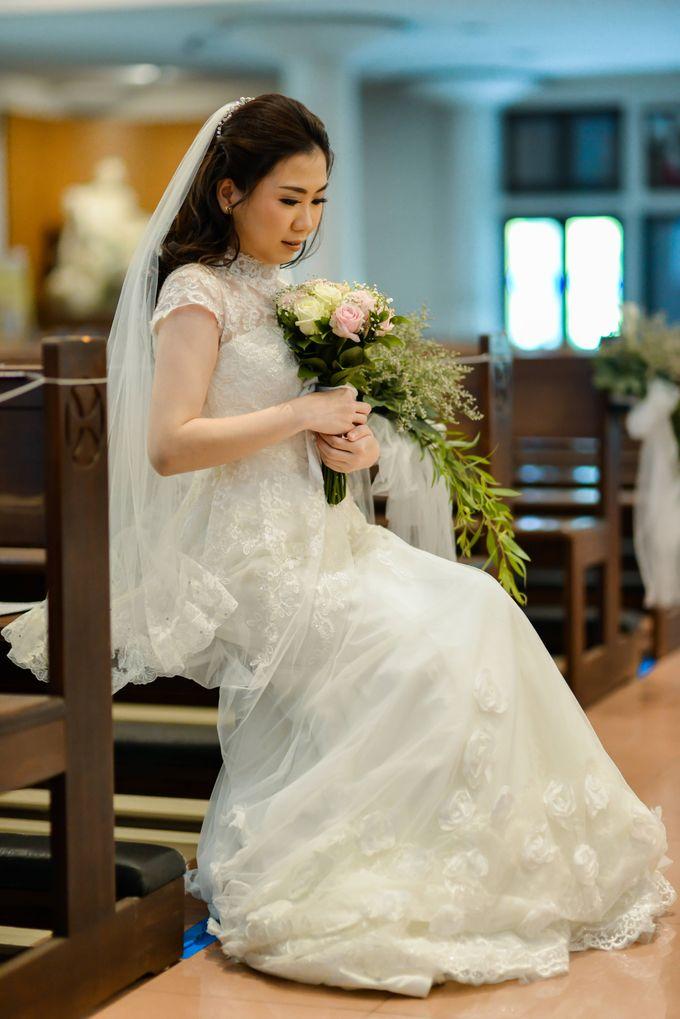 The Wedding of Felik & Shella  by Favor Brides - 021