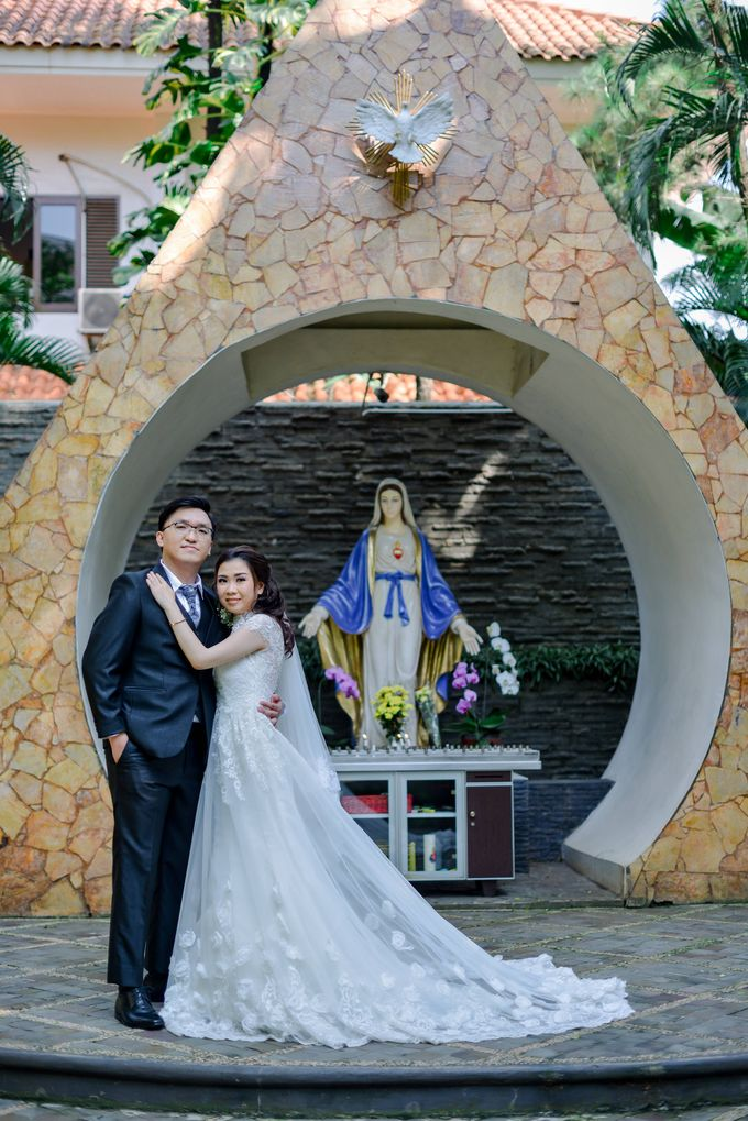The Wedding of Felik & Shella  by Favor Brides - 008