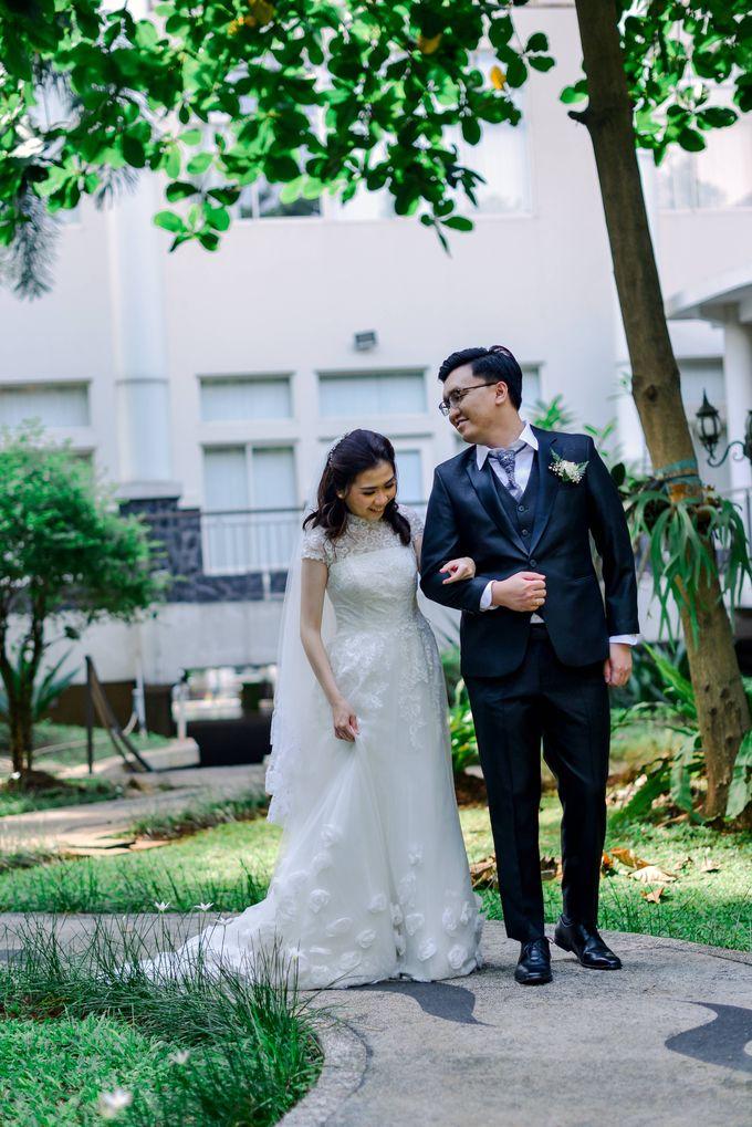 The Wedding of Felik & Shella  by Favor Brides - 019